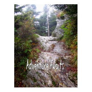 La aventura aguarda apenas sobre el rastro tarjetas postales