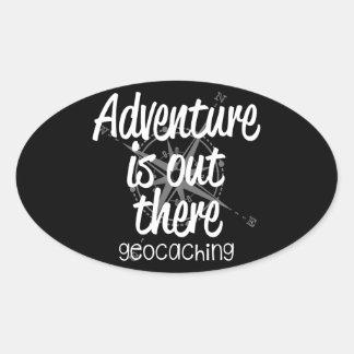 La aventura está hacia fuera allí pegatina ovalada