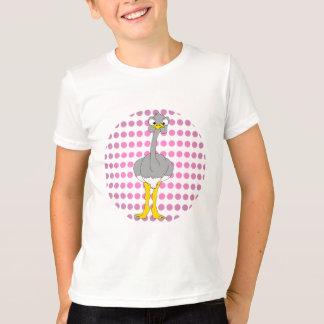 La avestruz embroma la camiseta del campanero