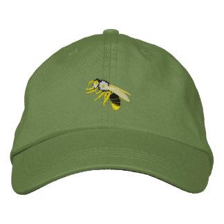 La avispa negra y amarilla de la abeja bordó el gorros bordados