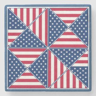 La bandera americana inspiró el remiendo posavasos de piedra