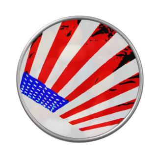 La bandera americana patriótica protagoniza la lat latas de caramelos