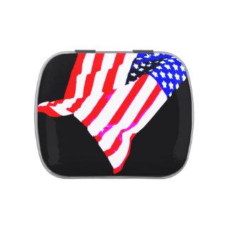 La bandera americana patriótica protagoniza la lat latas de dulces