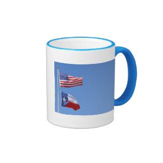 La bandera americana señala rayas de las estrellas taza de café