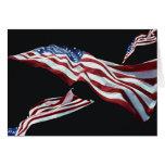 La bandera americana - soplada en el viento felicitacion