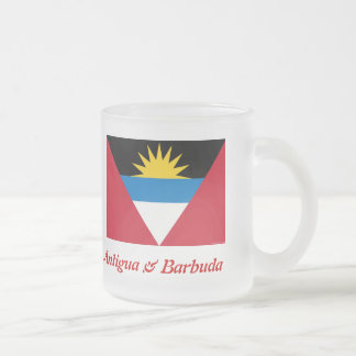 La bandera de Antigua y de la taza de cerveza hela