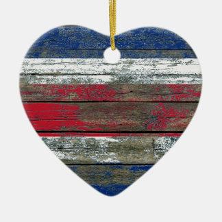 La bandera de Costa Rica en la madera áspera sube Adorno Navideño De Cerámica En Forma De Corazón