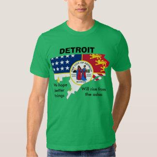 La bandera de Detroit en la camiseta del esquema Playera