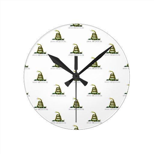 La bandera de Gadsden arrolló imagen tejada serpie Reloj De Pared