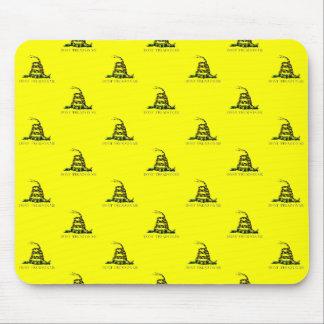 La bandera de Gadsden arrolló imagen tejada serpie Tapete De Ratones