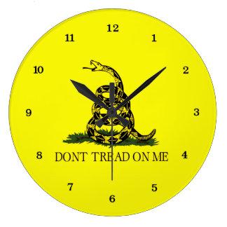 La bandera de Gadsden no pisa en mí Reloj Redondo Grande