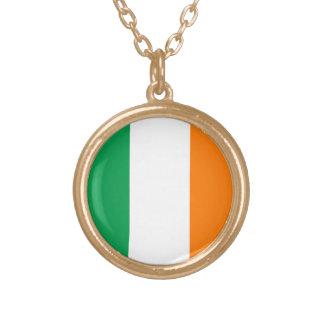 La bandera de Irlanda, tricolor irlandés Collares