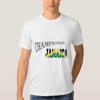 La bandera de Jamaica defiende la camiseta de los Polera