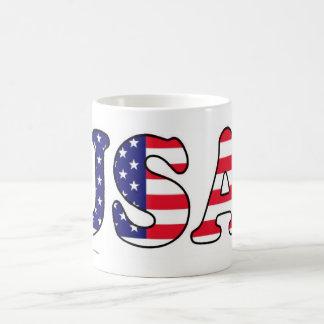 La bandera de los E.E.U.U. defiende la taza
