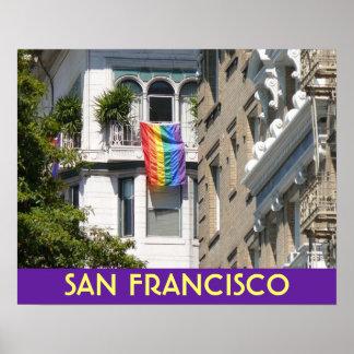 La bandera del arco iris vuela sobre San Francisco Póster