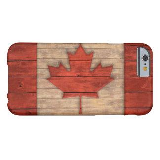 La bandera del vintage de Canadá apenó el diseño Funda De iPhone 6 Barely There