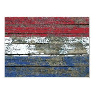 """La bandera holandesa en la madera áspera sube a invitación 5"""" x 7"""""""