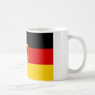 La bandera más barata del estado alemán taza básica blanca