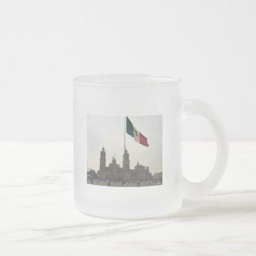 La Bandera Mexica de la estafa del EL Zocalo del D Taza De Café