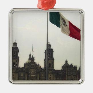 La Bandera Mexica de la estafa del EL Zocalo del Adorno Cuadrado Plateado
