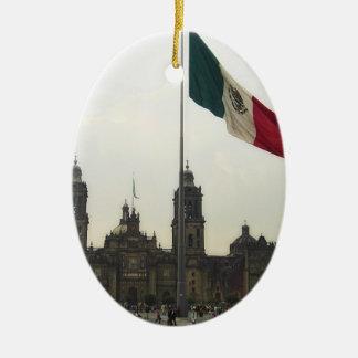 La Bandera Mexica de la estafa del EL Zocalo del Adorno Ovalado De Cerámica