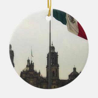La Bandera Mexica de la estafa del EL Zocalo del Adorno Redondo De Cerámica