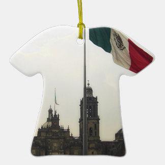 La Bandera Mexica de la estafa del EL Zocalo del Adorno De Cerámica En Forma De Playera