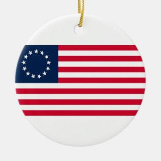 La bandera revolucionaria de Betsy Ross de la Adorno Redondo De Cerámica
