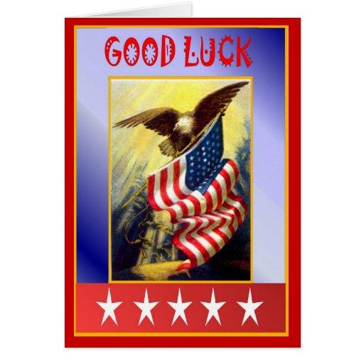 La bandera y el águila calva tarjeta de felicitación