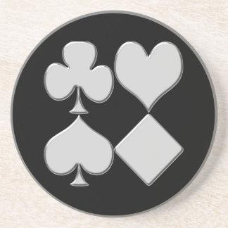 La baraja del póker se adapta a los prácticos de c posavasos diseño