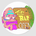 La barra de Tiki está ABIERTA Pegatinas Redondas