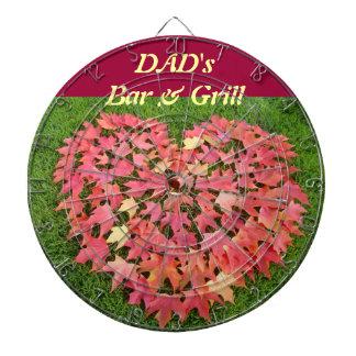 La barra del papá y hojas de otoño de encargo de l tablero de dardos