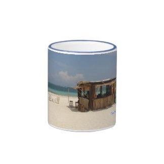 La barra perfecta de la playa tazas de café