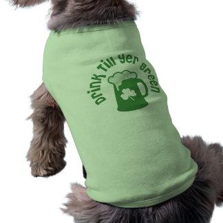 La bebida labra a irlandeses verdes del YER Prenda Mascota