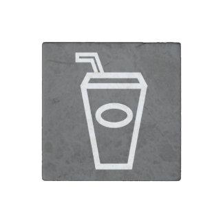 La bebida ordeña mínimo imán de piedra