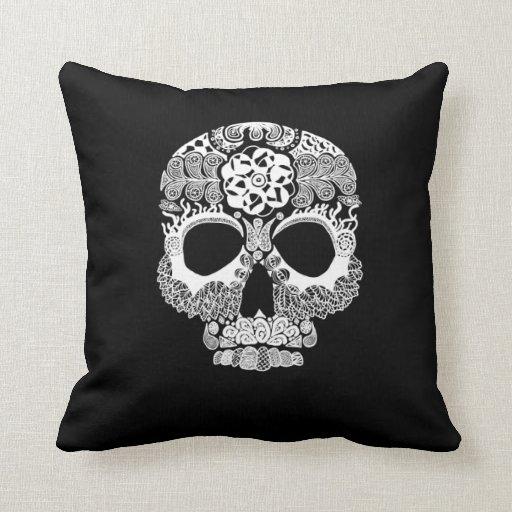 La Bella Muerte Dark Throw Pillow