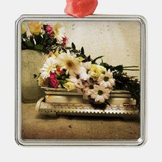 La belleza de flores adorno navideño cuadrado de metal