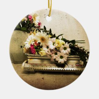 La belleza de flores adorno navideño redondo de cerámica
