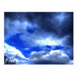 La belleza de la naturaleza en nubes postal