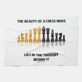 La belleza de un movimiento de ajedrez miente en p toalla