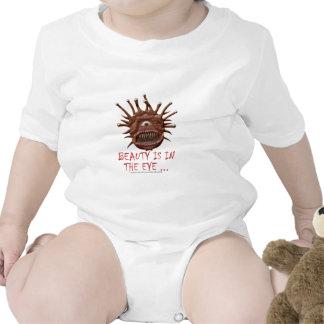 La belleza está en el ojo… traje de bebé