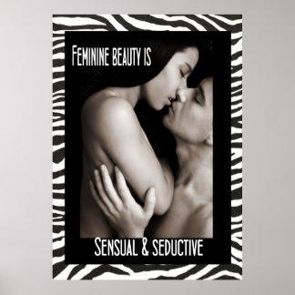 La belleza femenina es sensual y atractiva póster