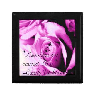 """La """"belleza no se causa.  Es. """" Caja De Regalo"""