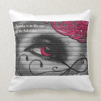 La belleza observa la almohada del espectador