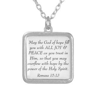 La biblia de la alegría y de la paz versifica el colgante cuadrado
