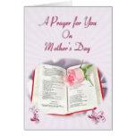 La biblia y el rezo color de rosa para el día de m tarjeta