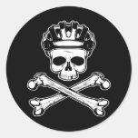 La bici o muere - bici y bandera pirata etiquetas redondas