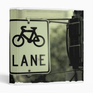 La bicicleta firma adentro la ciudad