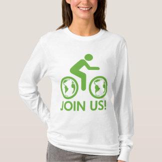 La bicicleta recicla verde se une a playera