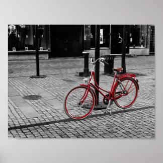La bicicleta roja póster